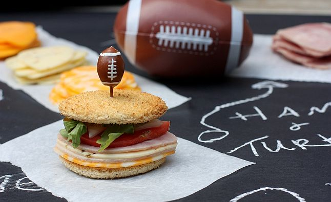NFL Picks Based on the Sandwich Game Theory: Worth Taking a Bite?